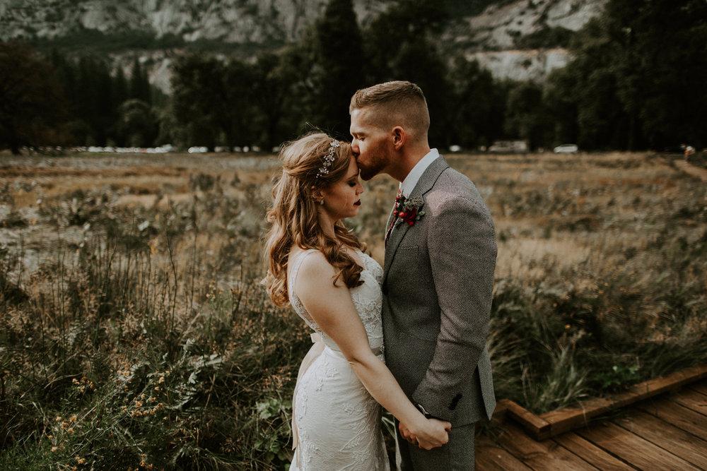 couple-elopement-yosemite-california_0076.jpg