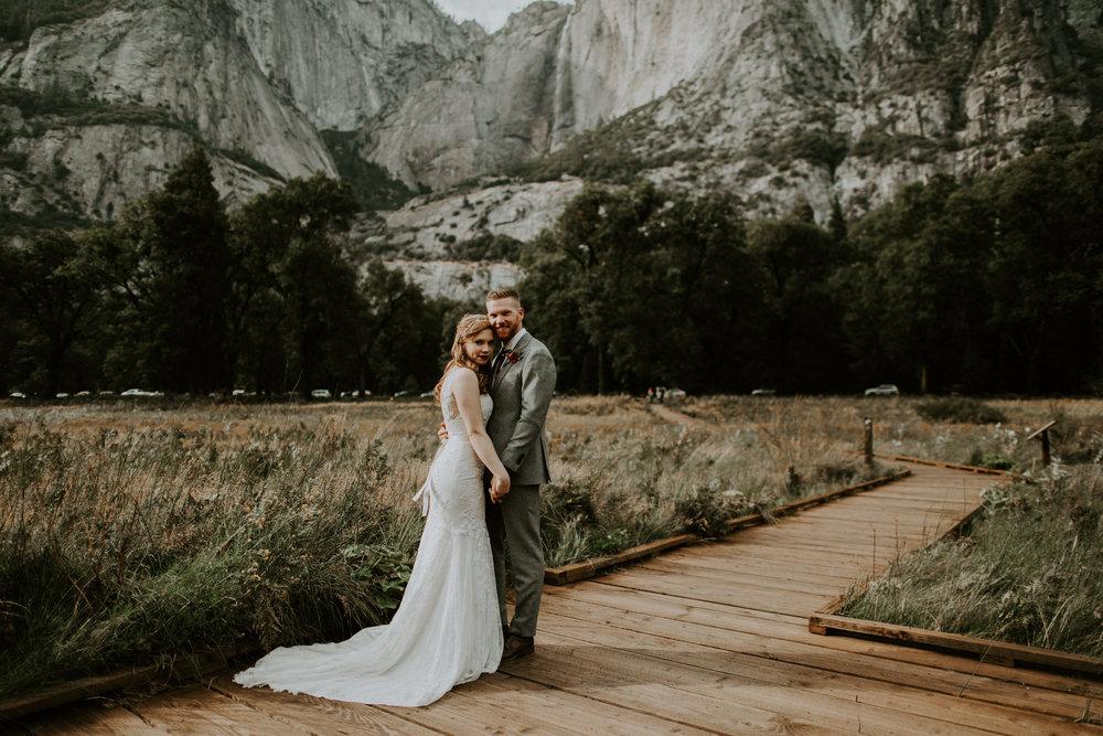 couple-elopement-yosemite-california_0079.jpg