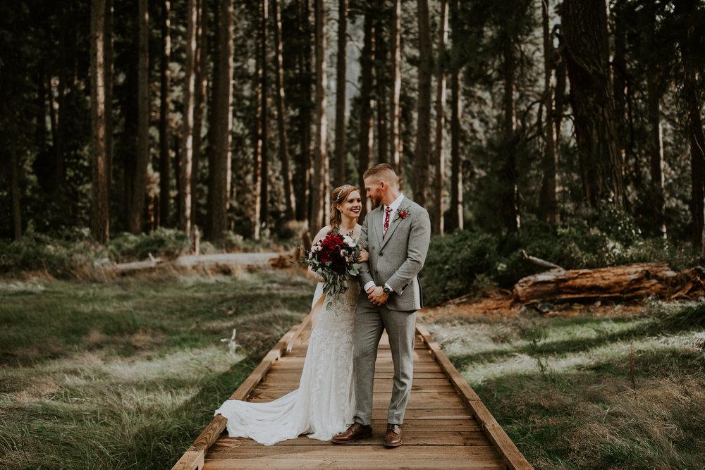 couple-elopement-yosemite-california_0085.jpg