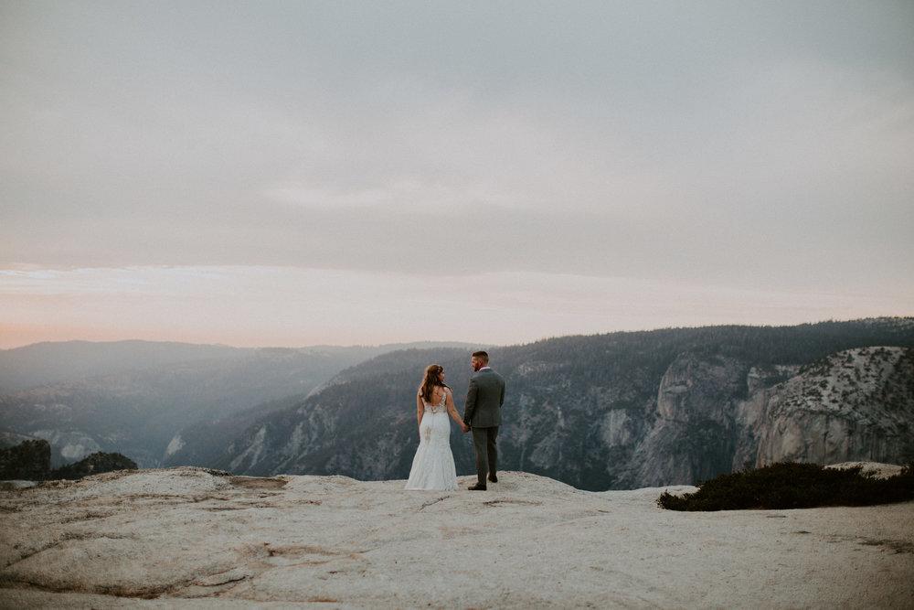 couple-elopement-yosemite-california_0094.jpg