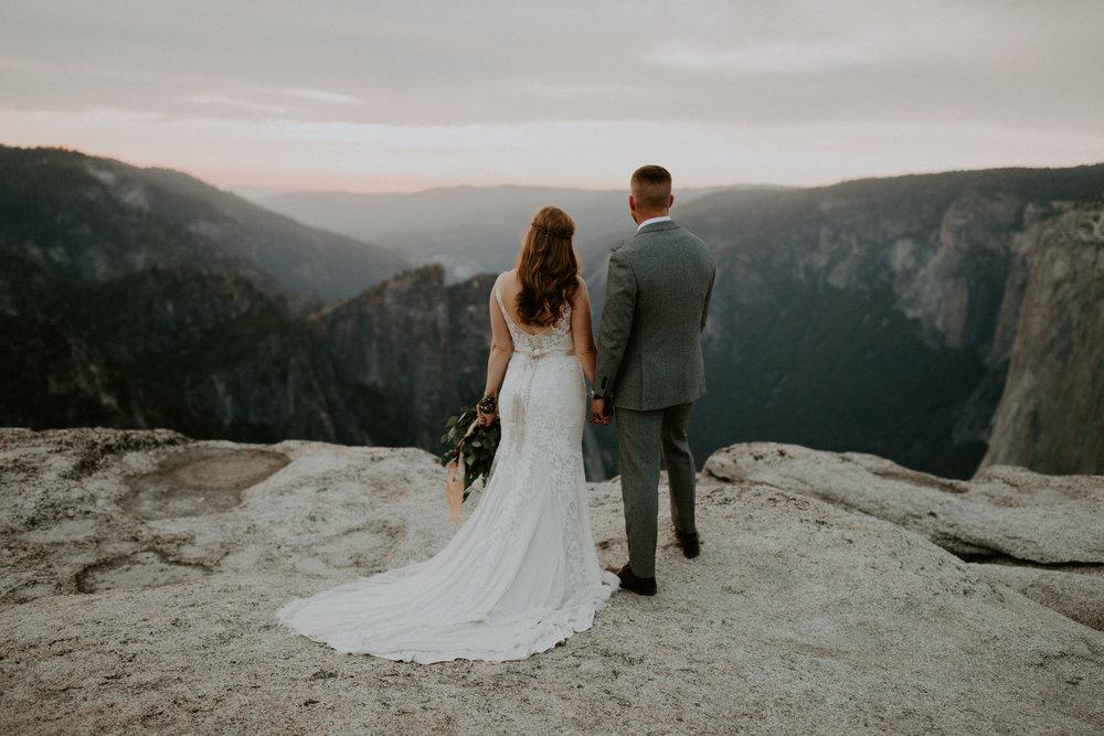 couple-elopement-yosemite-california_0095.jpg
