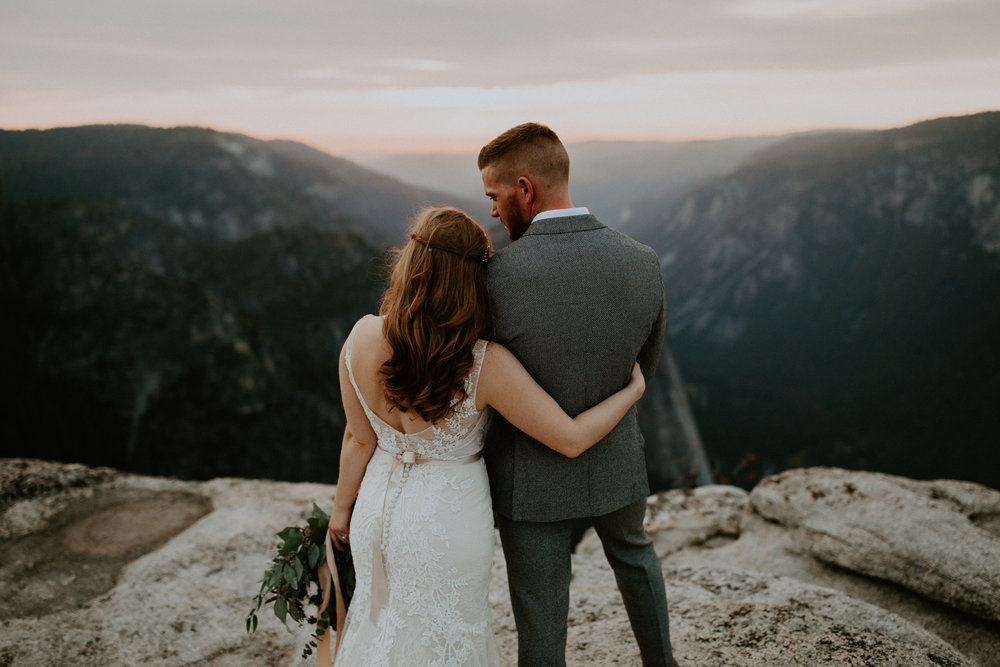 couple-elopement-yosemite-california_0097.jpg