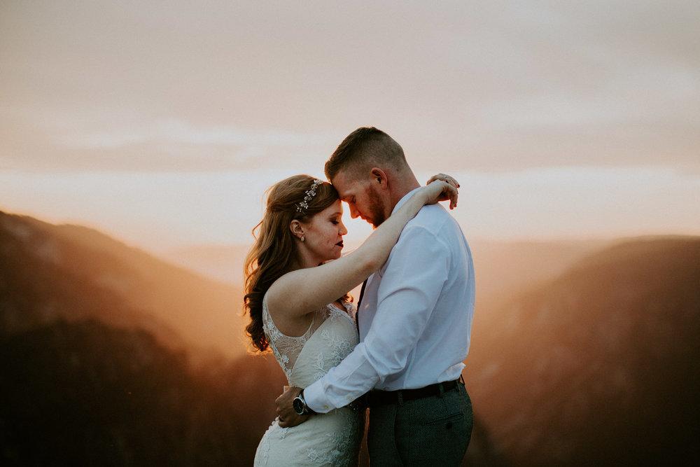 couple-elopement-yosemite-california_0107.jpg