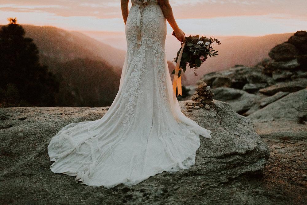 couple-elopement-yosemite-california_0121.jpg