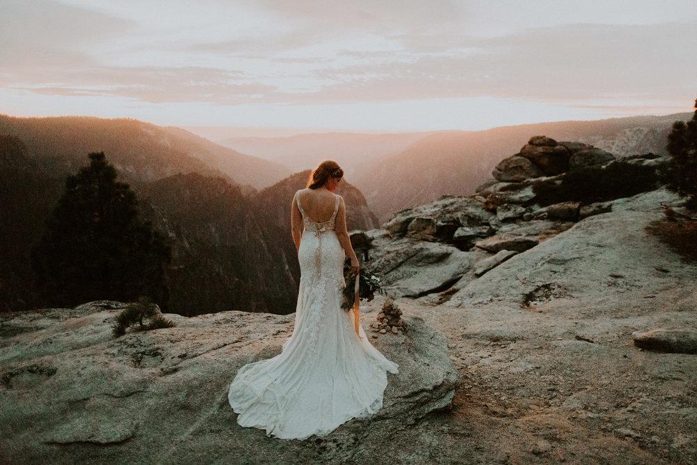 couple-elopement-yosemite-california_0122.jpg