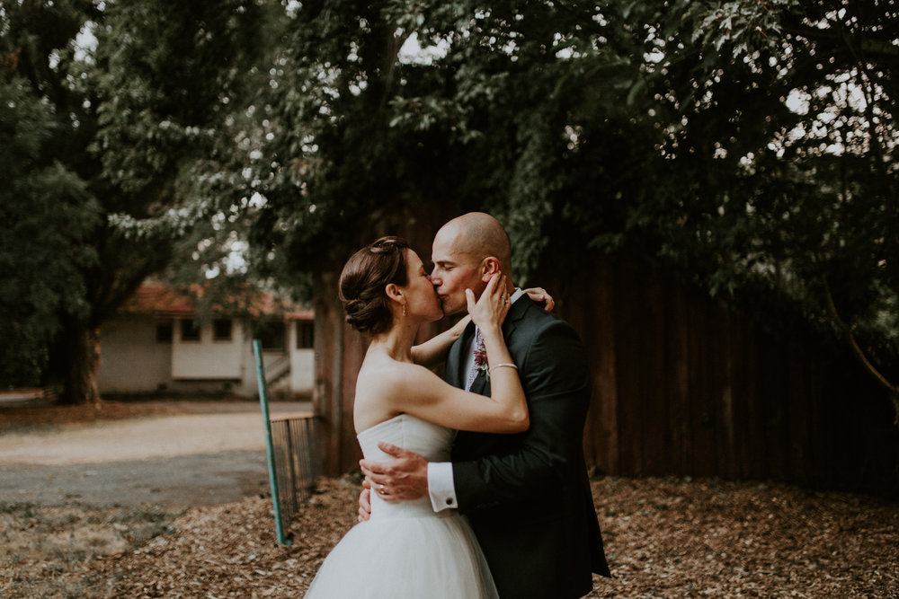 couple-wedding-marin-french-cheese-petaluma-california_0123.jpg