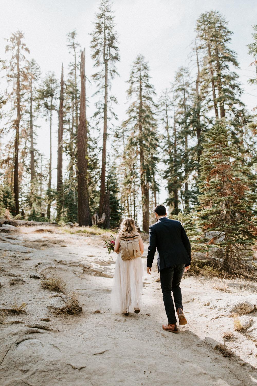 couple-elopement-yosemite-california_0010.jpg