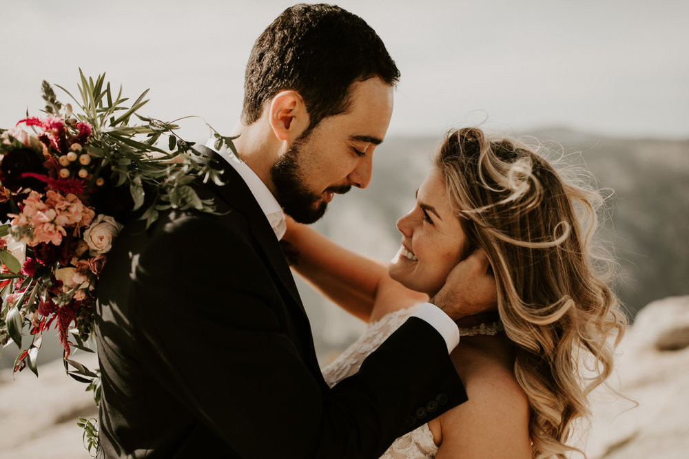 couple-elopement-yosemite-california_0028.jpg
