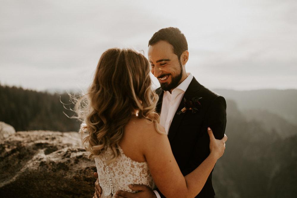 couple-elopement-yosemite-california_0042.jpg