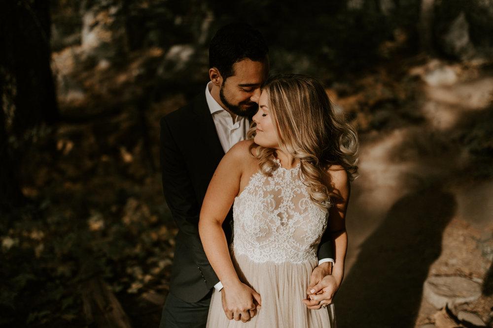 couple-elopement-yosemite-california_0053.jpg