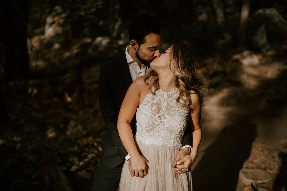 couple-elopement-yosemite-california_0052.jpg
