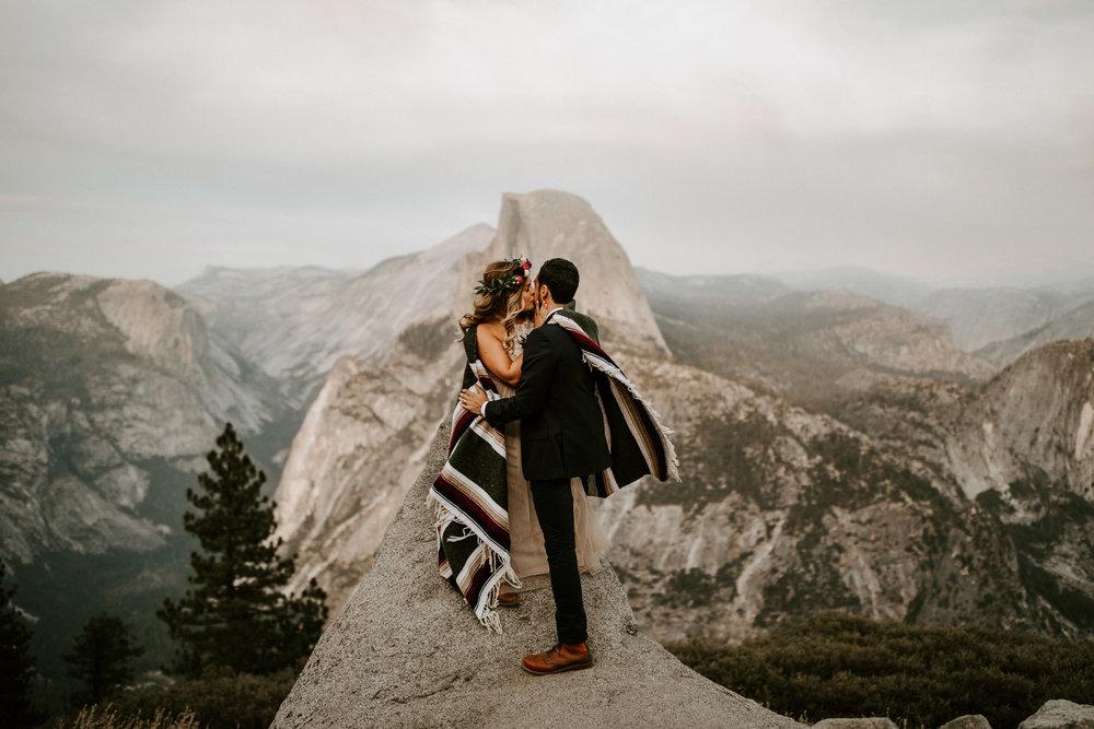 couple-elopement-yosemite-california_0066.jpg