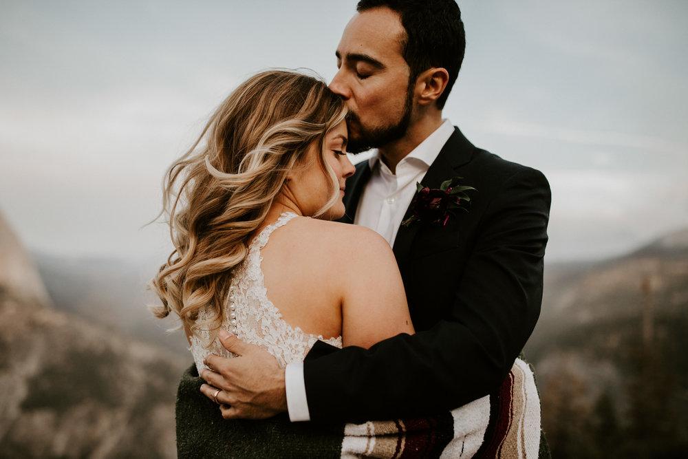 couple-elopement-yosemite-california_0080.jpg
