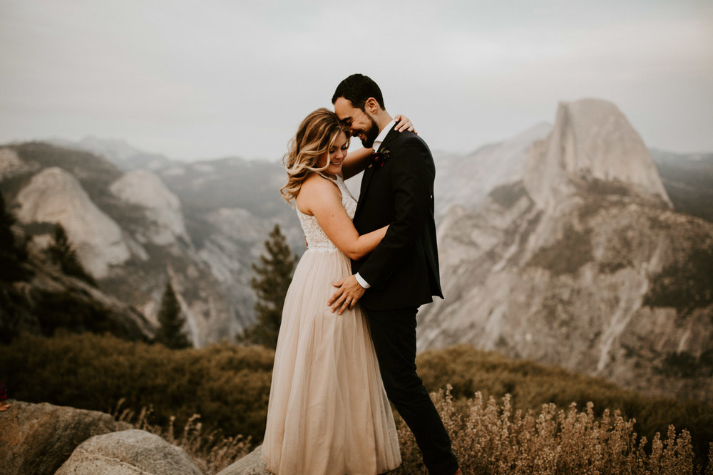 couple-elopement-yosemite-california_0083.jpg