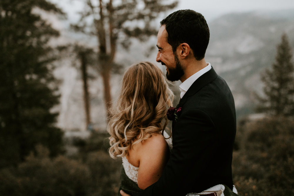 couple-elopement-yosemite-california_0087.jpg