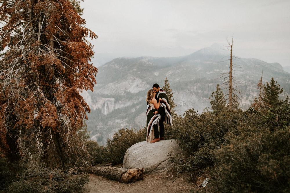 couple-elopement-yosemite-california_0089.jpg