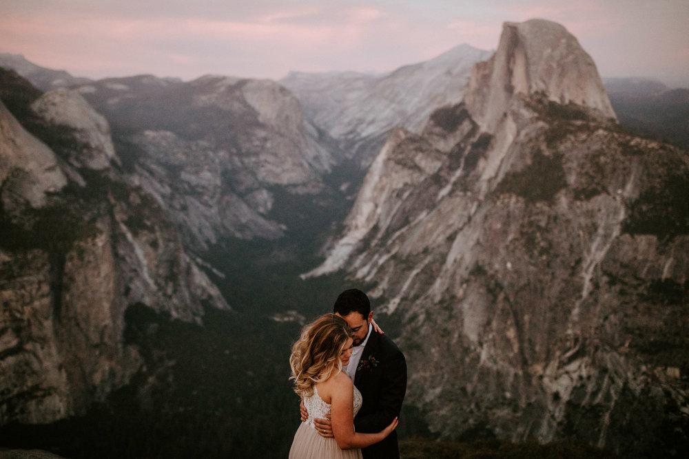 couple-elopement-yosemite-california_0096.jpg