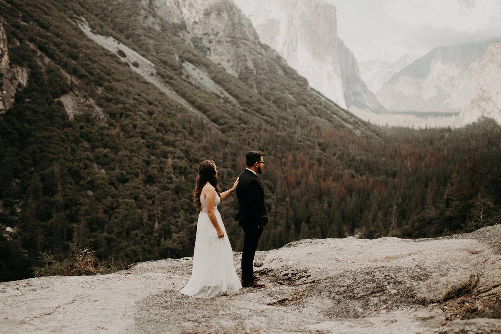 intimate-couple-elopement-yosemite-22.jpg