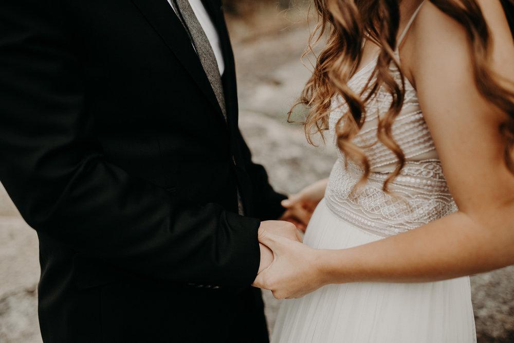 intimate-couple-elopement-yosemite-47.jpg