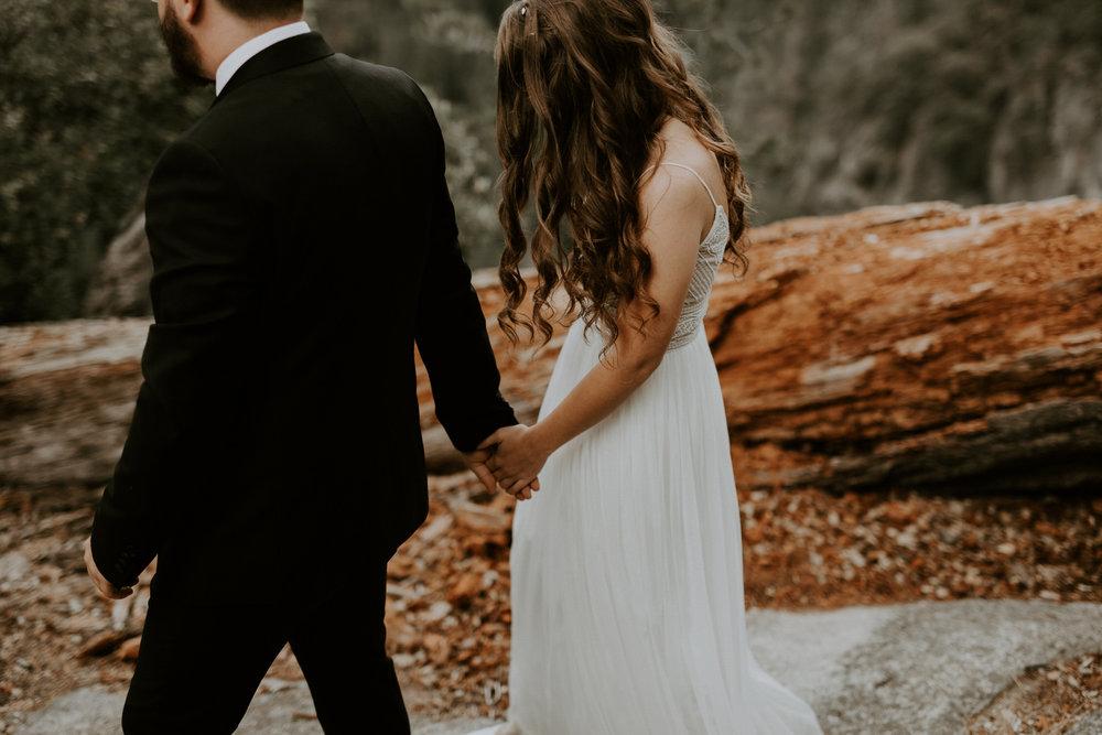 intimate-couple-elopement-yosemite-62.jpg