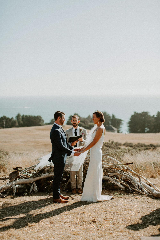 couple-intimate-coastal-wedding-elk-california-109.jpg