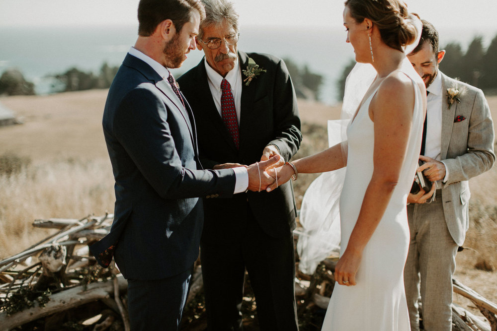 couple-intimate-coastal-wedding-elk-california-117.jpg