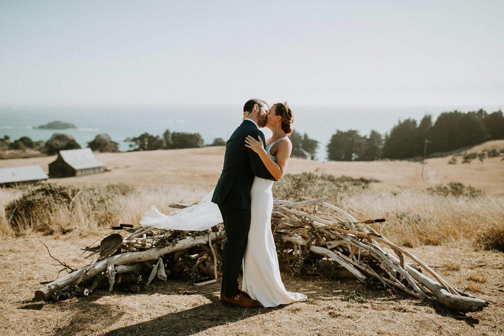 couple-intimate-coastal-wedding-elk-california-130.jpg