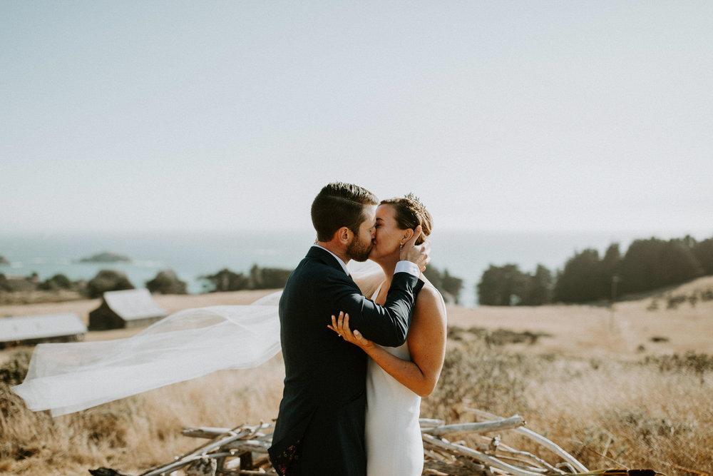 couple-intimate-coastal-wedding-elk-california-131.jpg