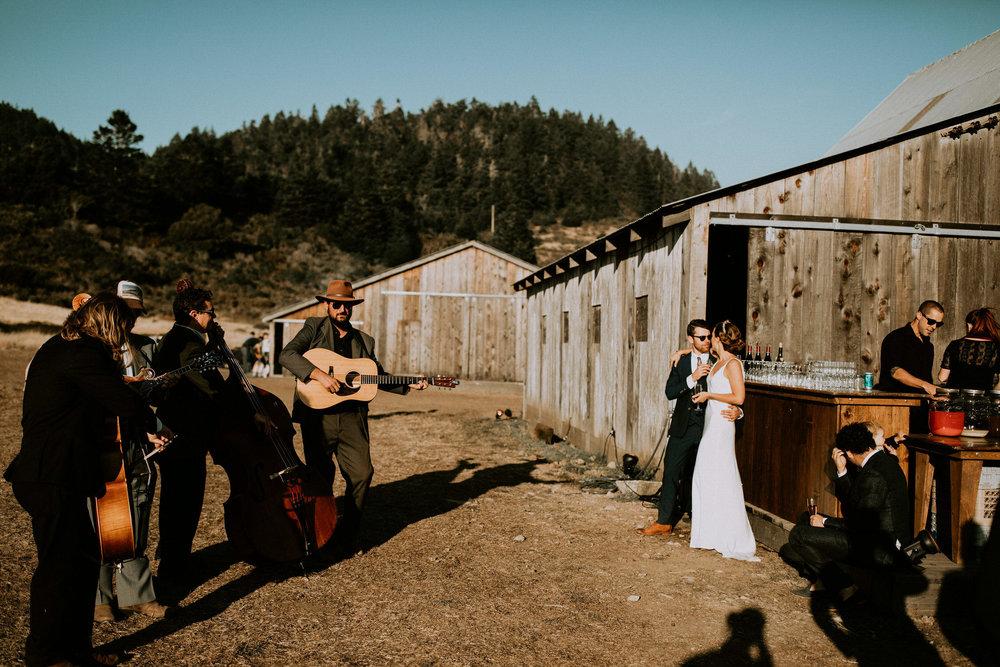 couple-intimate-coastal-wedding-elk-california-184.jpg