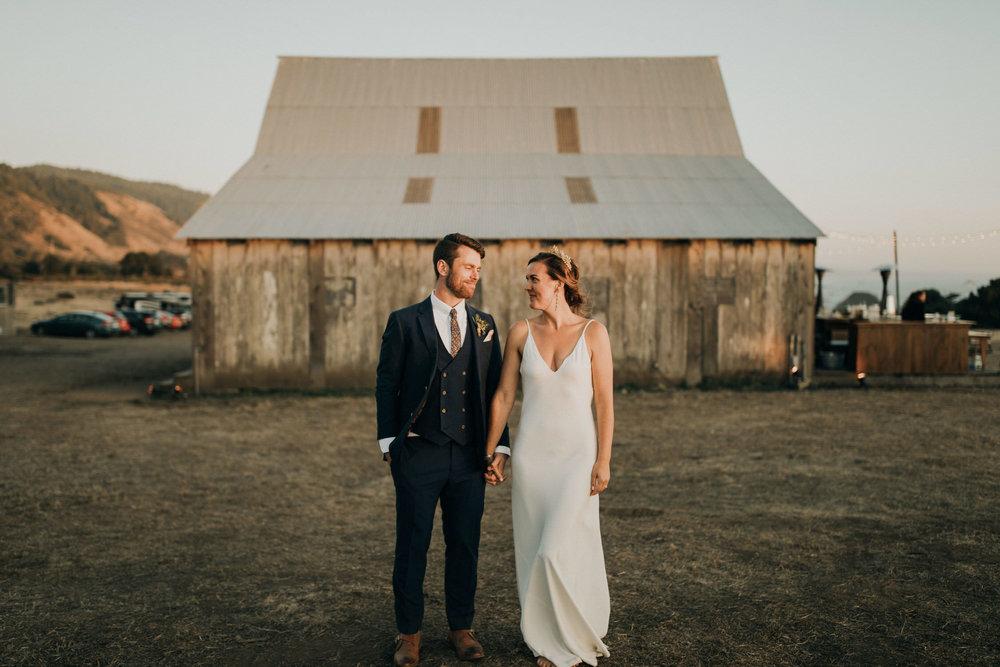 couple-intimate-coastal-wedding-elk-california-220.jpg