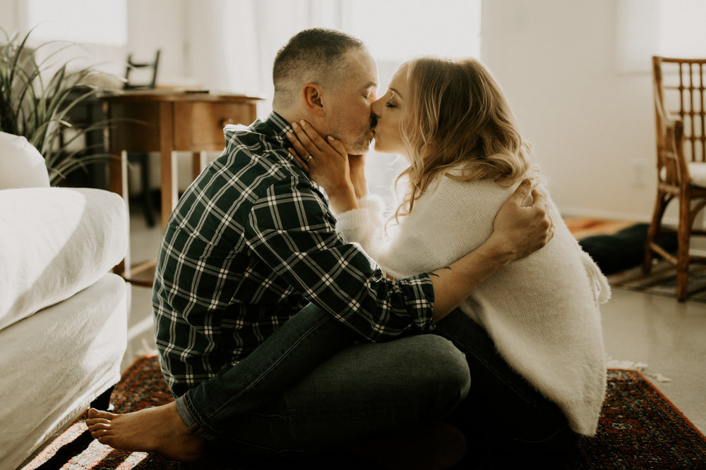 couple-intimate-in-home-session-northern-california-17.jpg