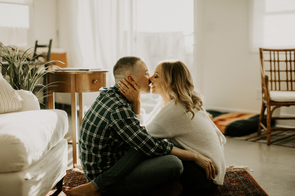 couple-intimate-in-home-session-northern-california-22.jpg