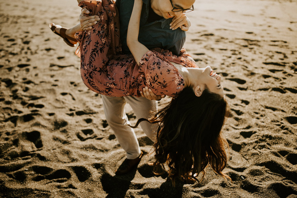 couple-intimate-engagement-session-northern-california-16.jpg