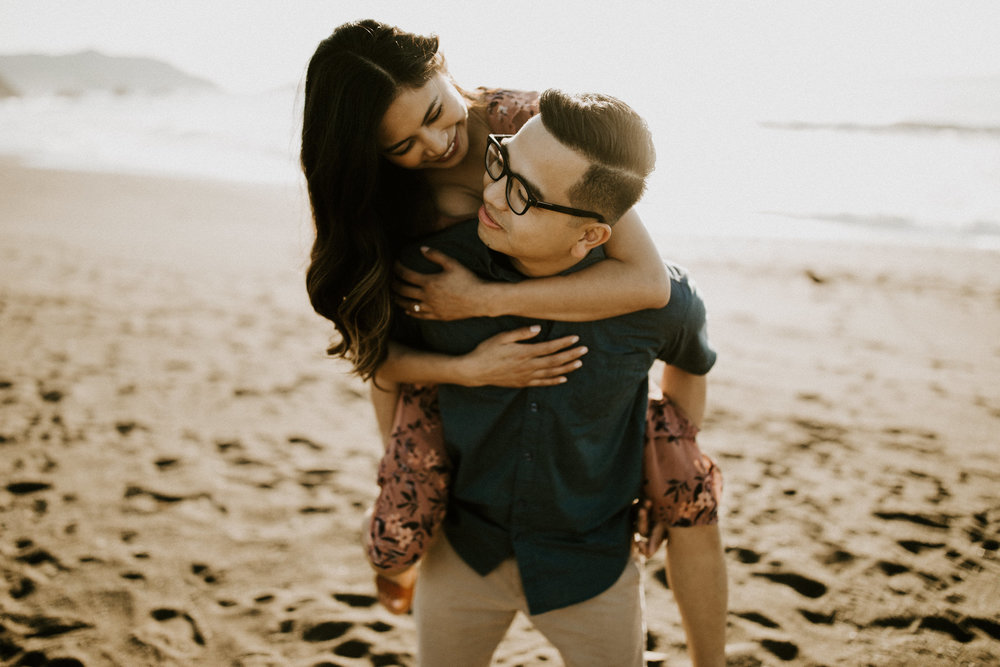 couple-intimate-engagement-session-northern-california-17.jpg