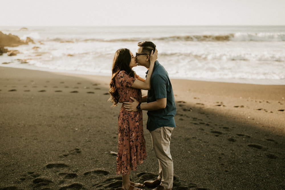 couple-intimate-engagement-session-northern-california-31.jpg