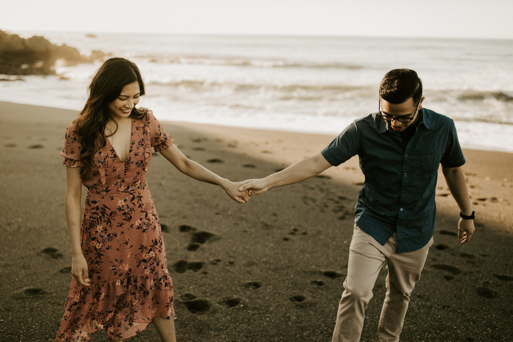 couple-intimate-engagement-session-northern-california-33.jpg
