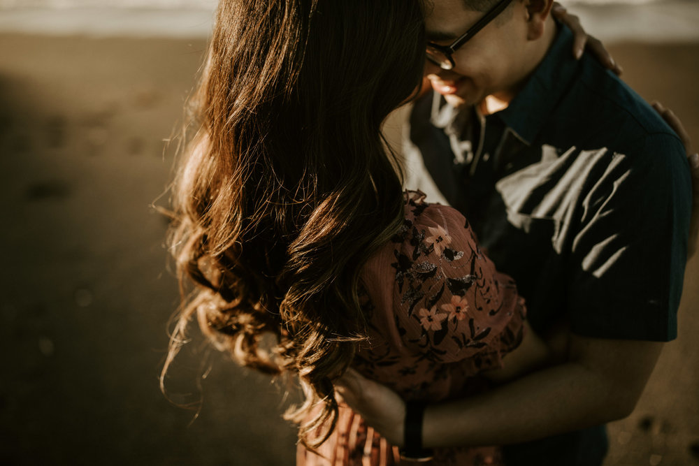 couple-intimate-engagement-session-northern-california-44.jpg