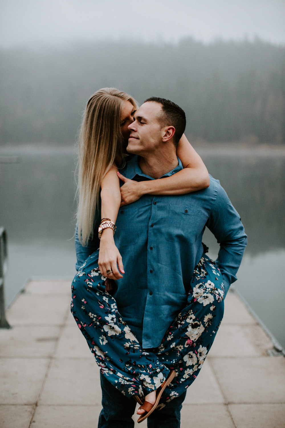 couple-intimate-engagement-session-northern-california-40.jpg