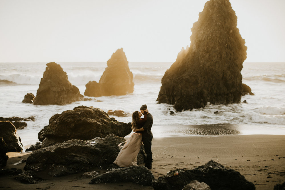 couple-intimate-engagement-session-sausalito-california-44.jpg