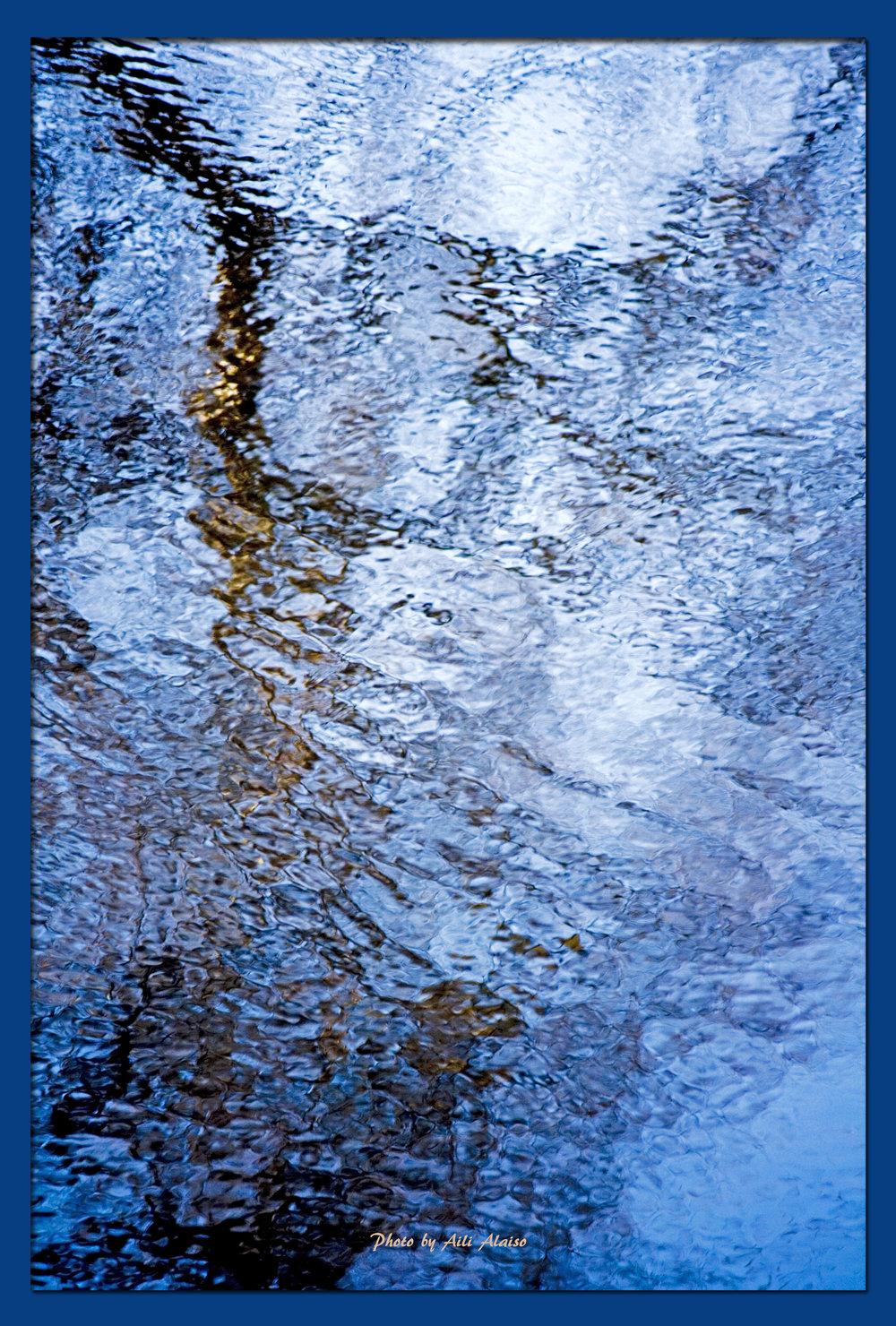 Aili Alaiso: Sinisen virran rannalla