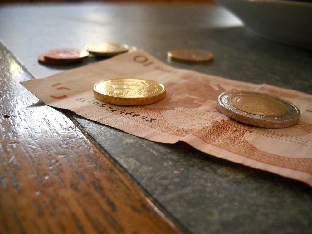 money-615878_1920.jpg