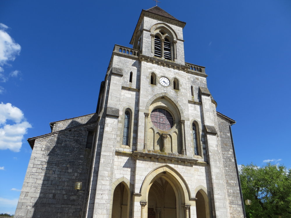 Église_Saint-Quirin_de_Lalbenque_(Façade).JPG