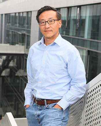 Joseph C. Tsai '86 B.A., '90 J.D., at the Hangzhou, China, campus of his Alibaba Group, a global e-commerce company.