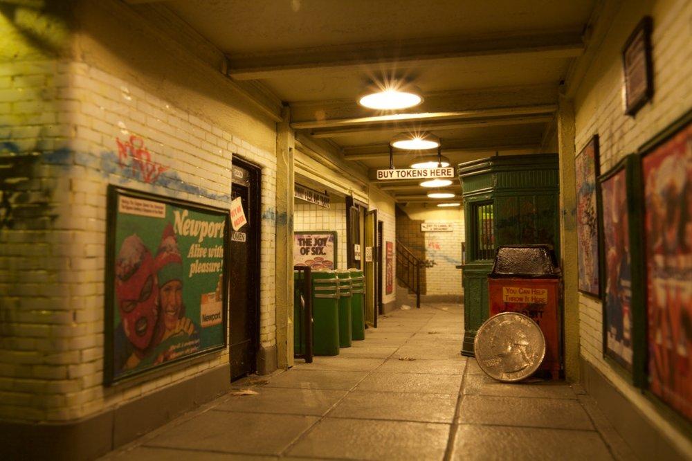 tiny-new-york-alan-wolfson-artist-miniature-sculptures-subway-interior.jpg