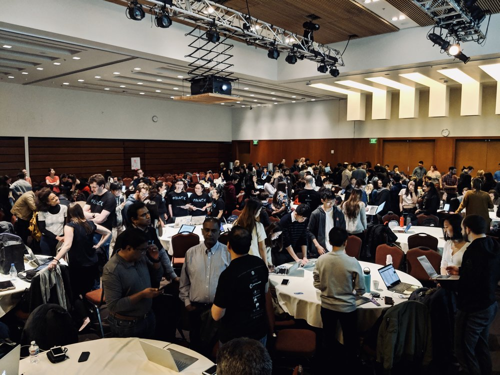 Participants during the science fair at UCSF. As judges walked around to each table, each team had 2 minutes to pitch their ideas + 1 min for Q&A