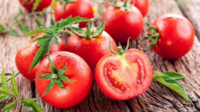 AtTheTable_tomatoes.jpg
