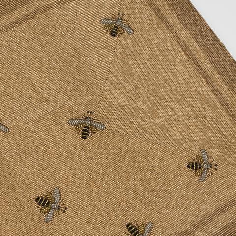 bee-table-runner.jpg