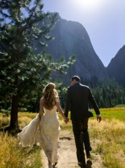 justin-alexander-lace-wedding-gown-yosemite.jpg