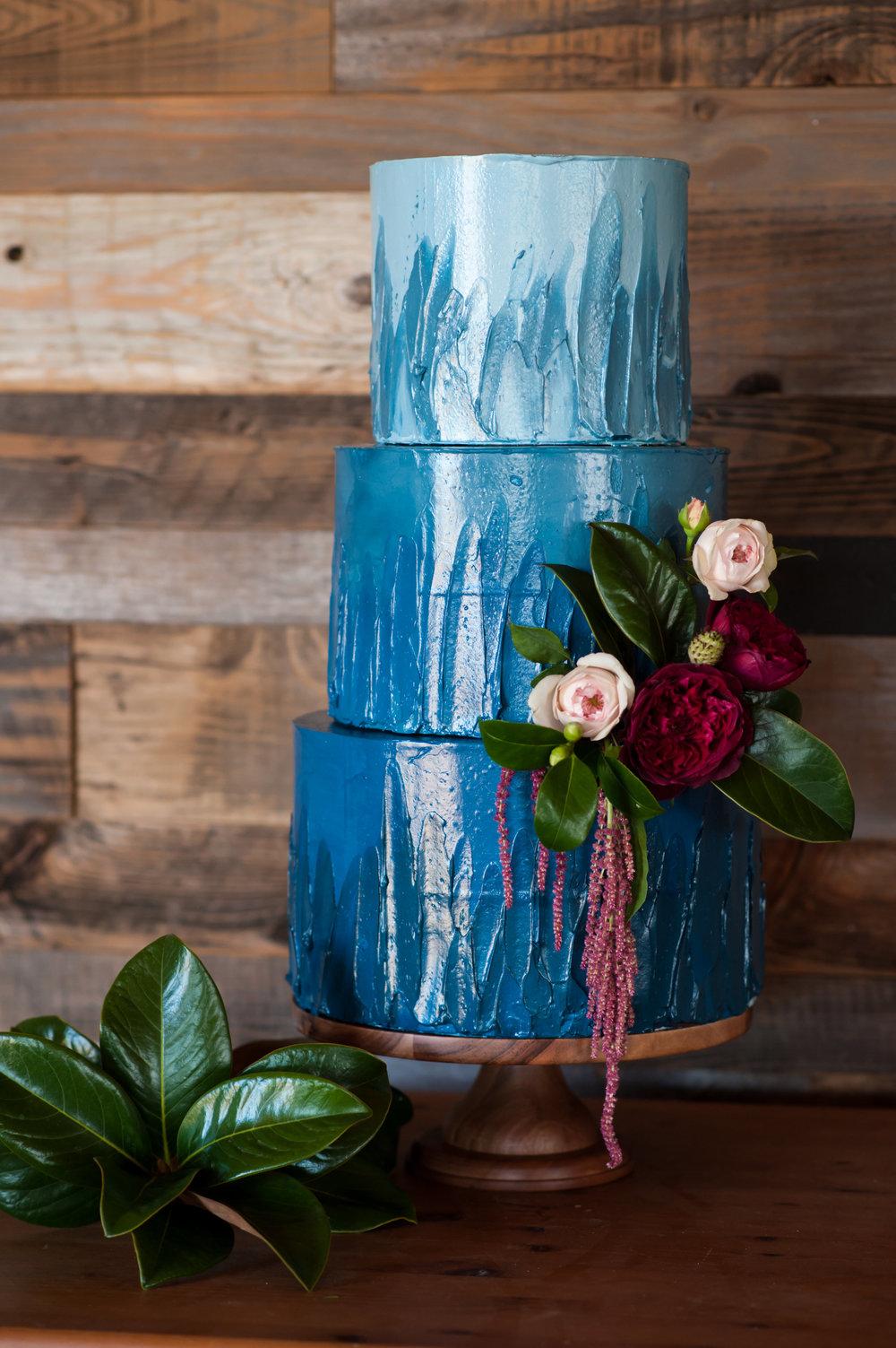 jen vazquez wedding photography bay cake design blue wedding cake