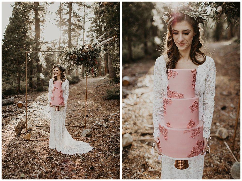 lake-tahoe-winter-wedding-boho-bride-blush-floral-wedding-cake.jpg